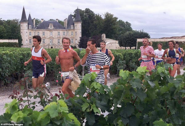 French Marathon Where Contestants Drink Wine And Eat Cheese - 7