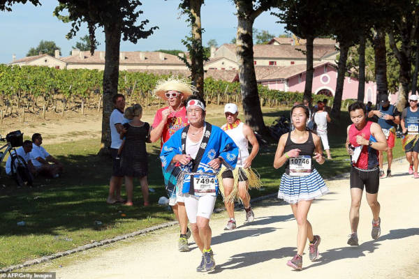 French Marathon Where Contestants Drink Wine And Eat Cheese - 8
