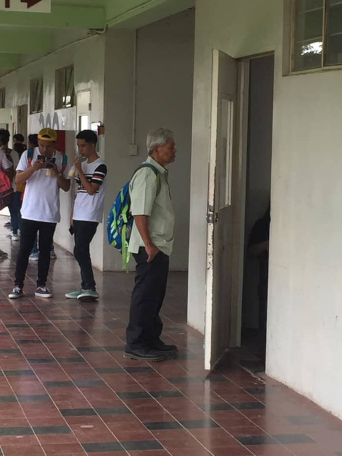 75-Year-Old Grandpa Joins University, Goes Viral As Freshman PolSci Student - 3