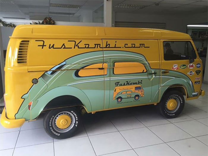 Pictures Of Gorgeous VW Beetle Art Paintings Painted On VW Minibus - 3