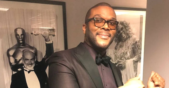 Tyler Perry Sends Supplies And Aid With His Personal Plane To The Bahamas - 1