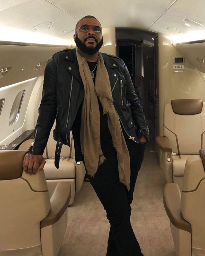 Tyler Perry Sends Supplies And Aid With His Personal Plane To The Bahamas - 4