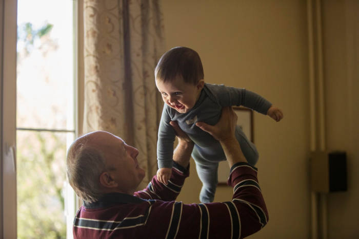 Oxford University Considers Grandparents To Help Their Grandchildren Grow Up Happier - 2